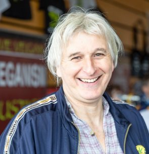 Roger Yates